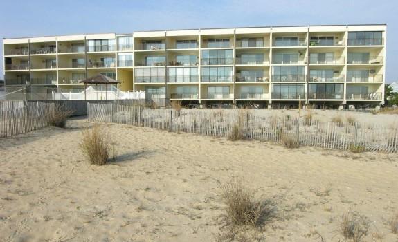 beachloft.JPG