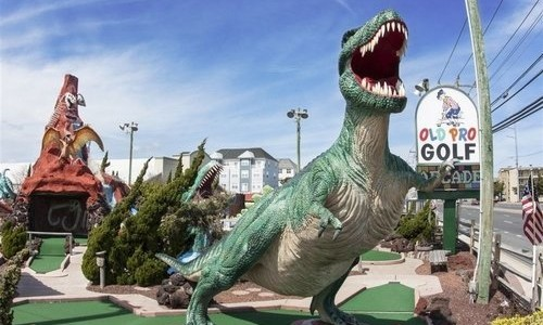 Statue of T-Rex at Old Pro Miniature Golf